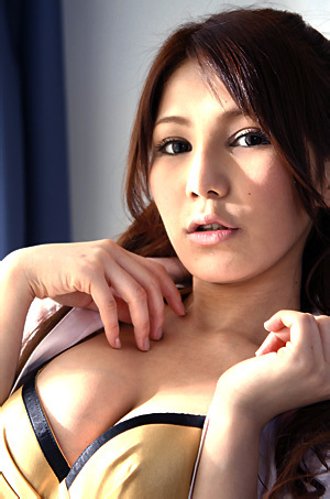 Busty Asian Girl Lena Aizawa