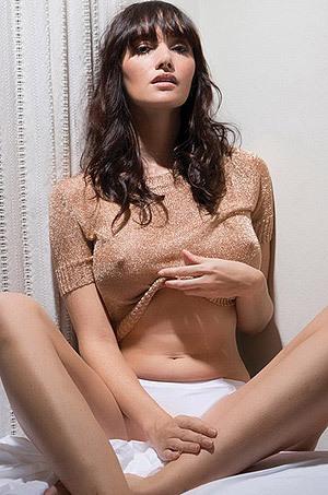 Sexy Celebrity Sara Malakul Lane