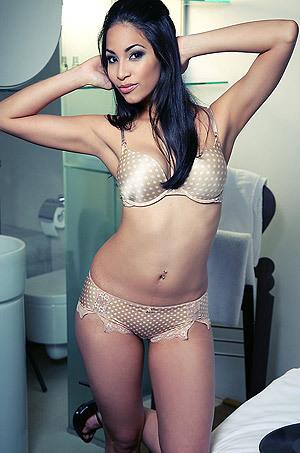 Sexy Latina Ruth Medina