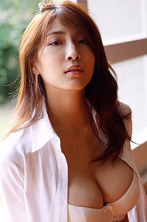 Hot Asana Mamoru