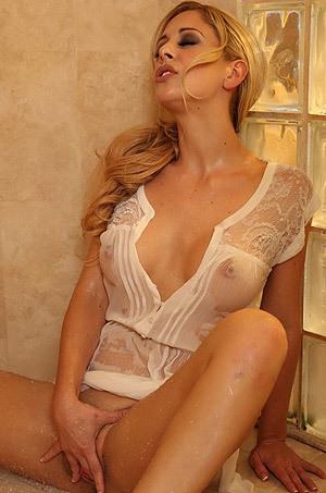 Cherie Deville Hot Shower