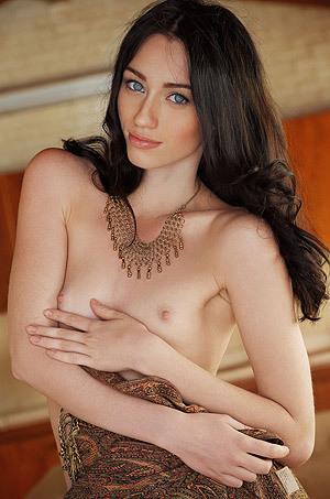 Sexy Hungarian Glamour Gilrl Zsanett Tormay