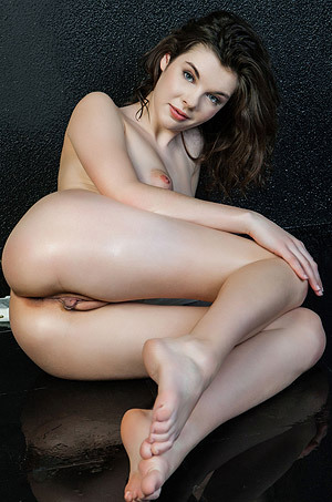 Wet Teen Beauty Halley Poses Naked In The Studio