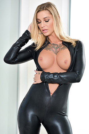 Kleio Valentien In Sexy Black Latex Catsuit