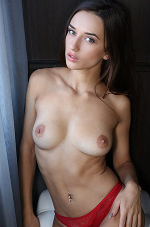 Incredibly Sexy Brunette Girl