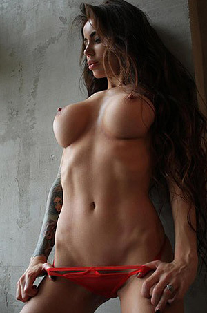 Gorgeous Brunette PhenyQ