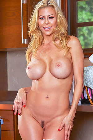 Busty Housewife Alexis Fawx Gets Nude