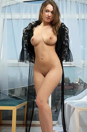 Dominique Show Us Her Amazing Body