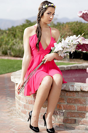 Beautiful Babe Uma Jolie