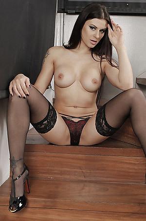 Busty Beauty Billie Star