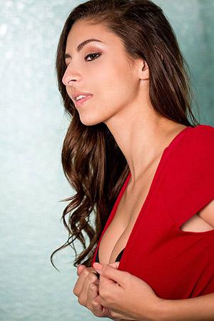 Horny And Sexy Nina North Sensual Posing