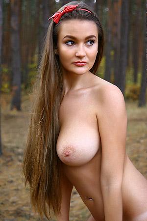 Big Boobed Brunette Beauty Sanya