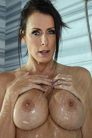 Busty Mature Reagan Foxx Takes A Shower