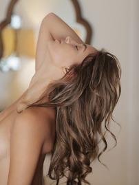 Uma Jolie Shows Her Shaved Pussy